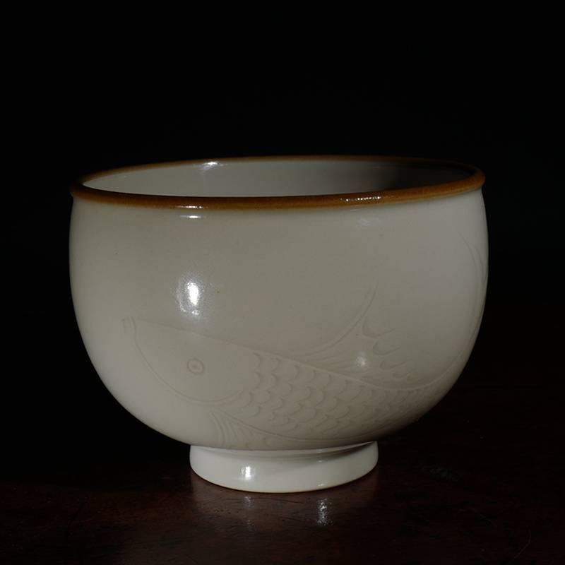 龙圣华苑 景德镇致鸣堂仿古定窑暗刻鱼纹鼓形杯 名家手工圆融茶杯