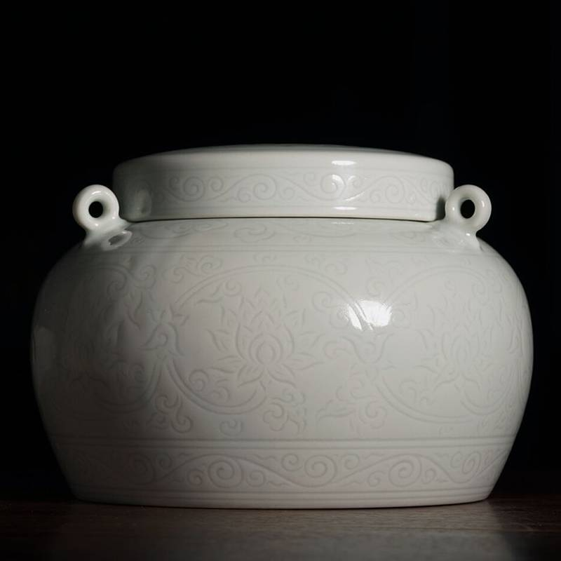景德镇陶人临古仿大明永乐年制暗刻缠枝莲纹系耳罐 手工陶瓷茶叶罐